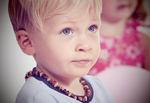 Should Amber Teething Necklaces Be Banned?