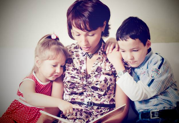 10 ways to encourage a love of reading in children