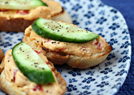 Quick and easy Hummus and Cucumber Crostini