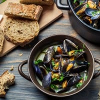 Steamed Mussels with Parsley and Bacon