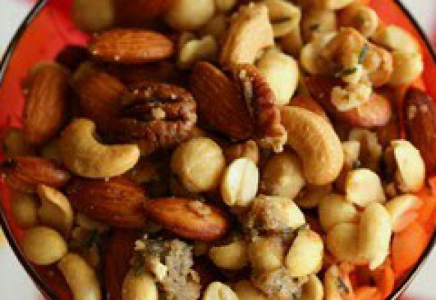 Sweet, Salty, Spiced nut mix - Real Recipes from Mums