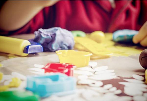 how to make a playdough house