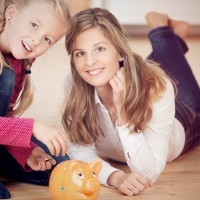 5 Things Financially Secure Mums Never Do