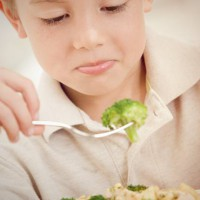 15 tips to reduce fussy eating in toddlers