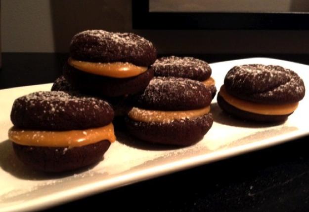 Chocolate melting moments with peanut caramel fudge