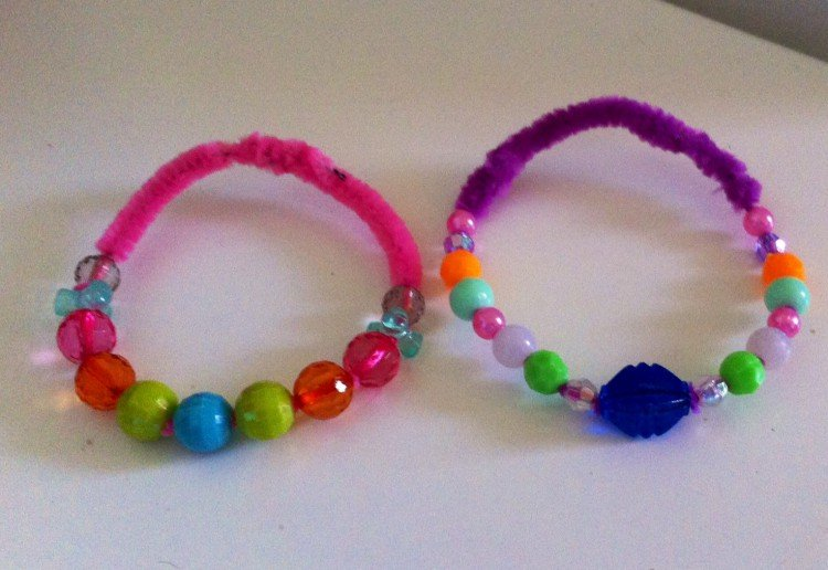 Pipe cleaner bracelet