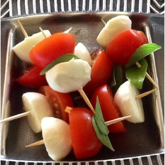 Tomato bocconcini bites