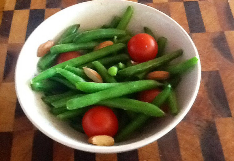 Sauteed green beans and cherry tomatoes