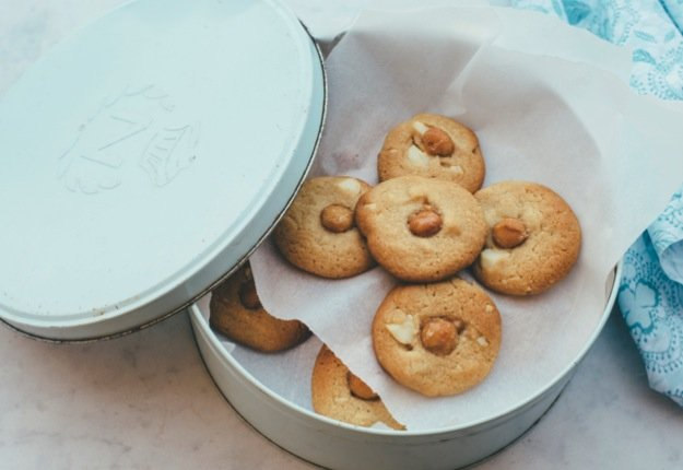 Macadamia butter biscuits