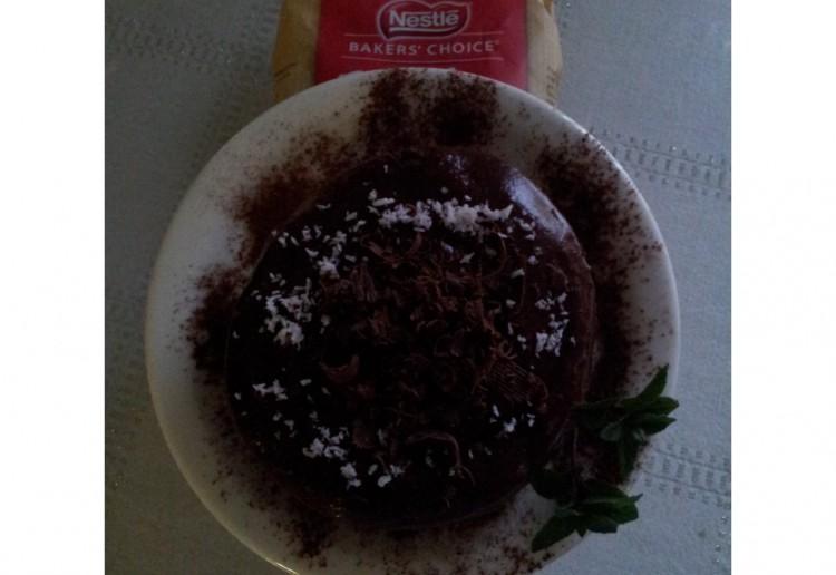 No-bake beetroot chocolate mud puddle cakes