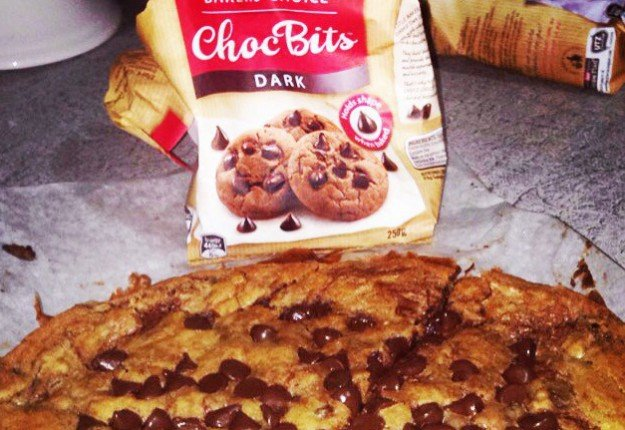 Choc Chip Nutella Cookie Pizza