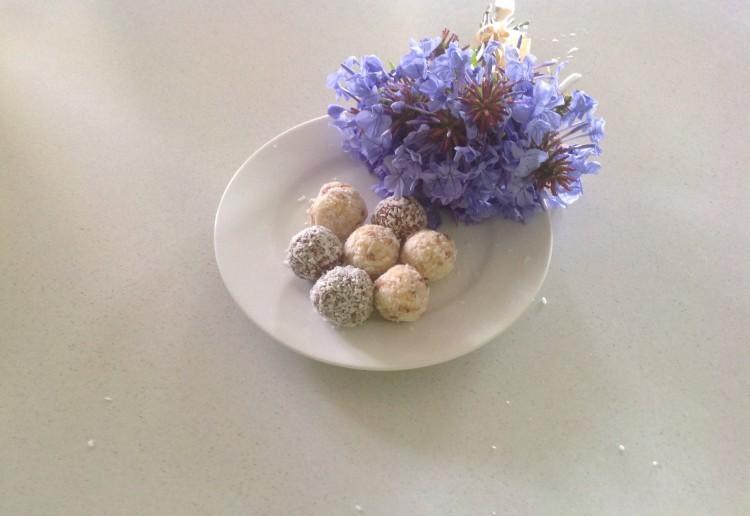 Choc treat balls
