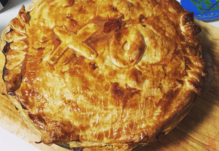Slow cooked beef and bacon pie