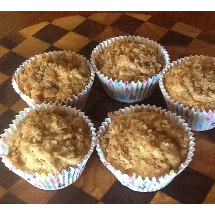 Quick apple crumble cupcakes