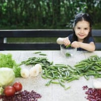 6 tips to help kids love vegetables