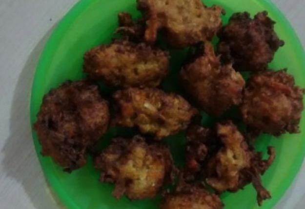 Kofta (cauliflower and carrot fritters/dumplings)