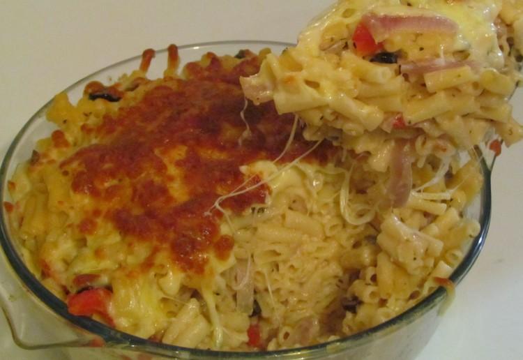 Mediterranean macaroni cheese