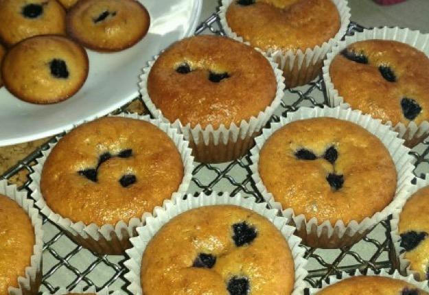 ... sundaes healthy banana blueberry muffin s blueberry banana muffin cake