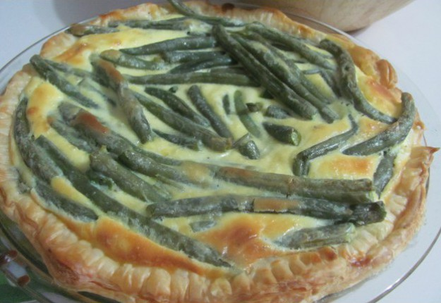 Quiche with mascarpone and green beans