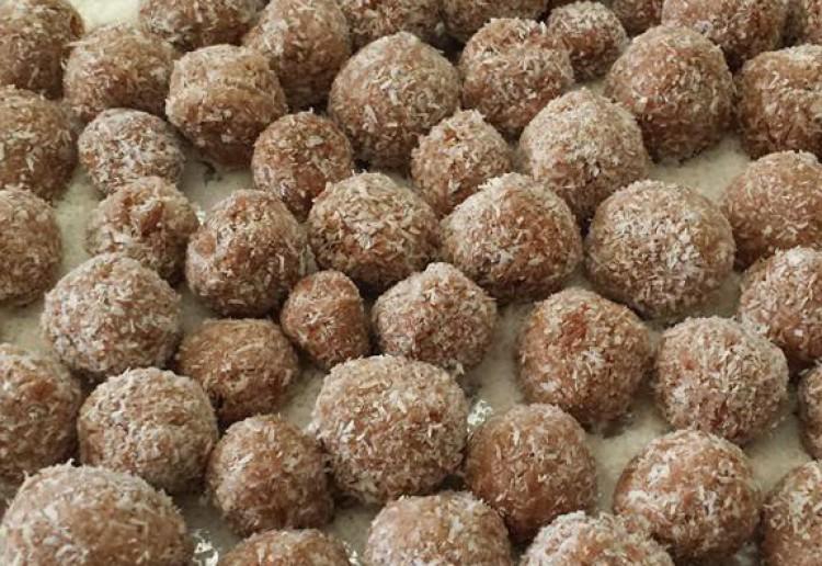 Cacao & Apricot Balls