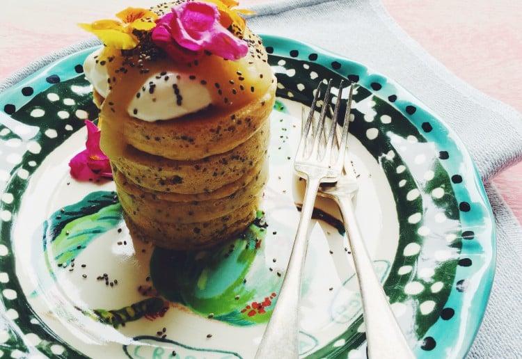 Sugar free chia and lemon wholemeal hotcakes