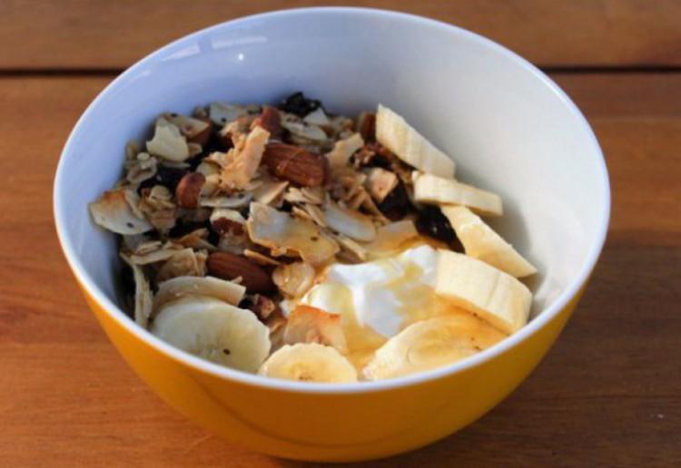 Crunchy coconut muesli