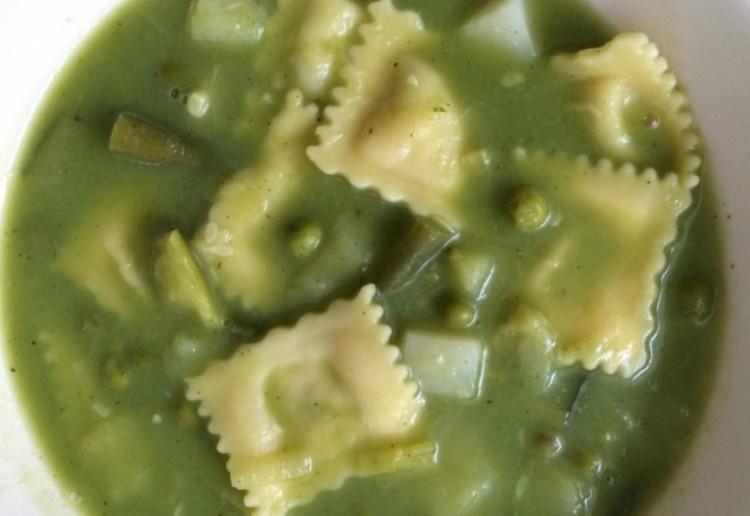 Hearty vegetarian minestrone