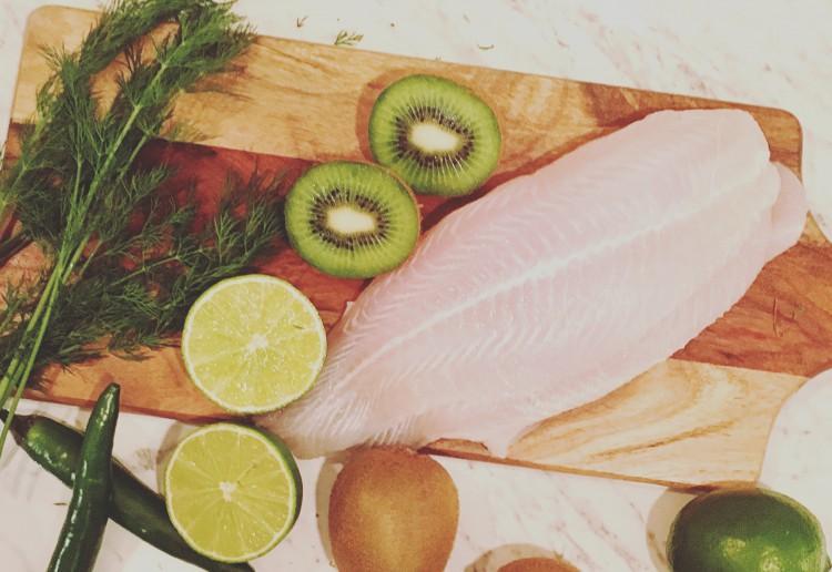 Kiwi fruit fish marinade