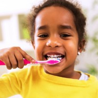 6 tips to keep your kids teeth and gums healthy