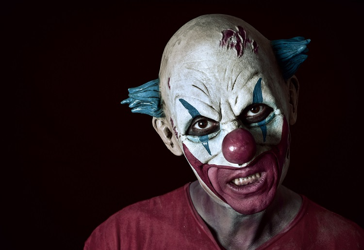 Woman gives birth prematurely after she was scared by a clown