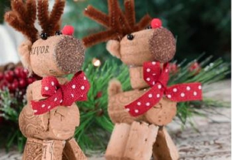 How to make a cute cork reindeer ornament