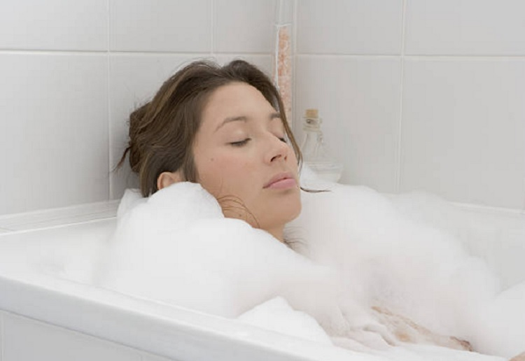 A soak in the bath has benefits similar to an hour of exercise