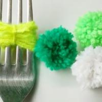 How to make mini pom poms using a fork!