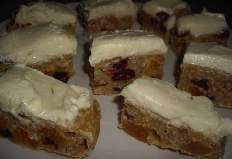 Apricot and Cranberry Slice