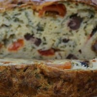 Tomato, olive and spinach loaf