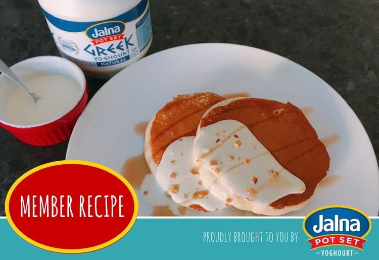 Fluffy pancake with yoghurt sauce