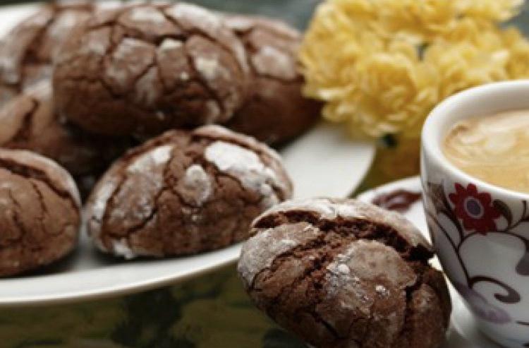 Choc Crackle Top Biscuits