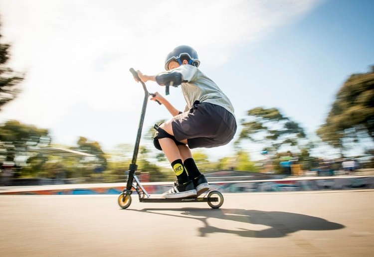 mom90758 reviewed Five Important Road Safety Tips For Scooters and Bikes