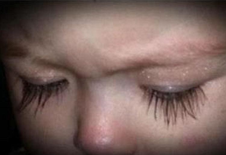 Mum slammed for putting makeup on her baby girl