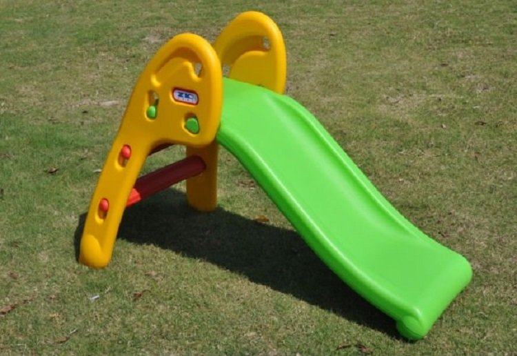 This is Why You Need to be Careful Where You Place the Kids Backyard Play Equipment