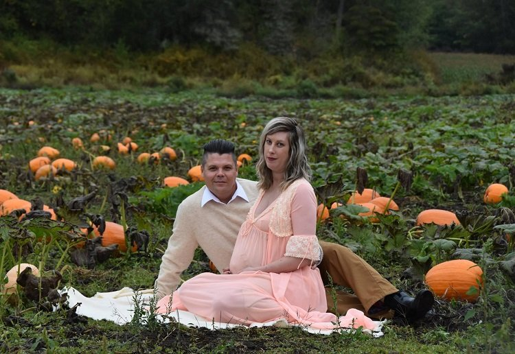 This Cute Maternity Photo Shoot is Totally NOT What You Expect!