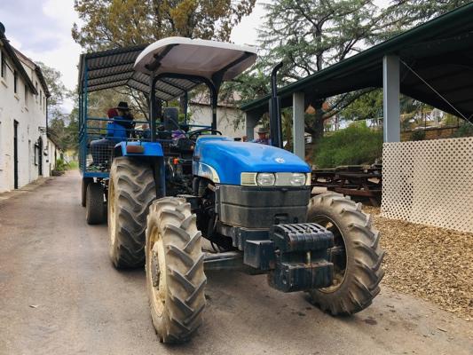 mowbray-farm-tractor