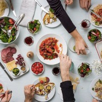 The BIG Benefits Of Cooking And Eating Together As A Family