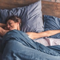 Stress-Related Sleeplessness:Here Are 6 Natural Ways to Help You Fall Asleep at Night