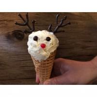 Easy Reindeer Ice Cream Cones