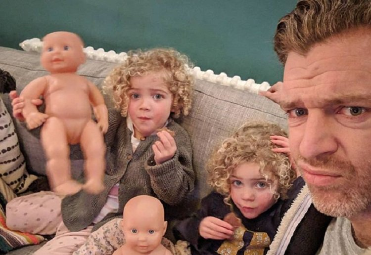Daddy Blogger Slammed for Not Telling His Twins Apart
