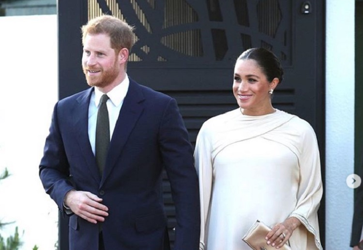 """ashna9 reviewed Meghan Markle and Prince Harry to Raise Baby """"Fluid Gender"""""""