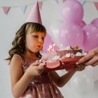 Mum Accused of Overreacting Over Lack of Birthday Party Etiquette