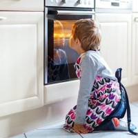 This Mum Left Her Five Year Old To Cook Dinner