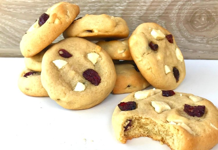 Cranberry and White Chocolate Chunk Cookies